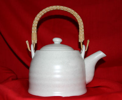 A photo of a teapot