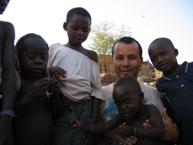 The original photo of the African kids